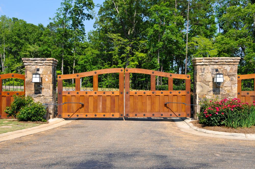 ambiance chaleureuse portail bois