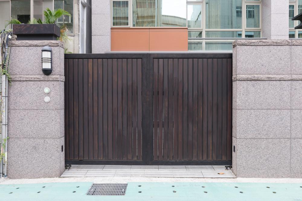 avantages portail bois