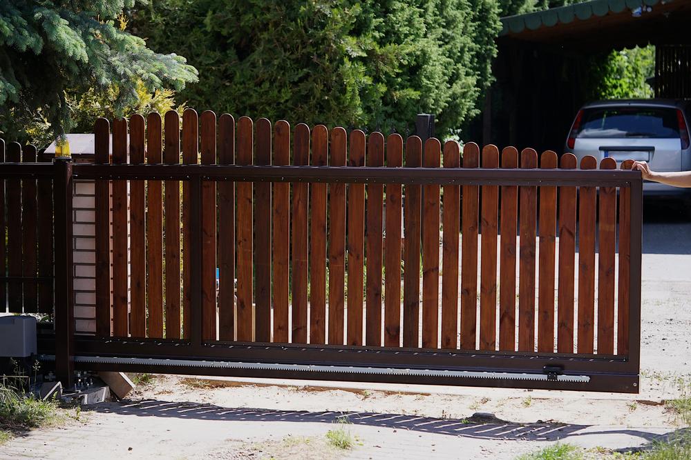 finitions portail bois