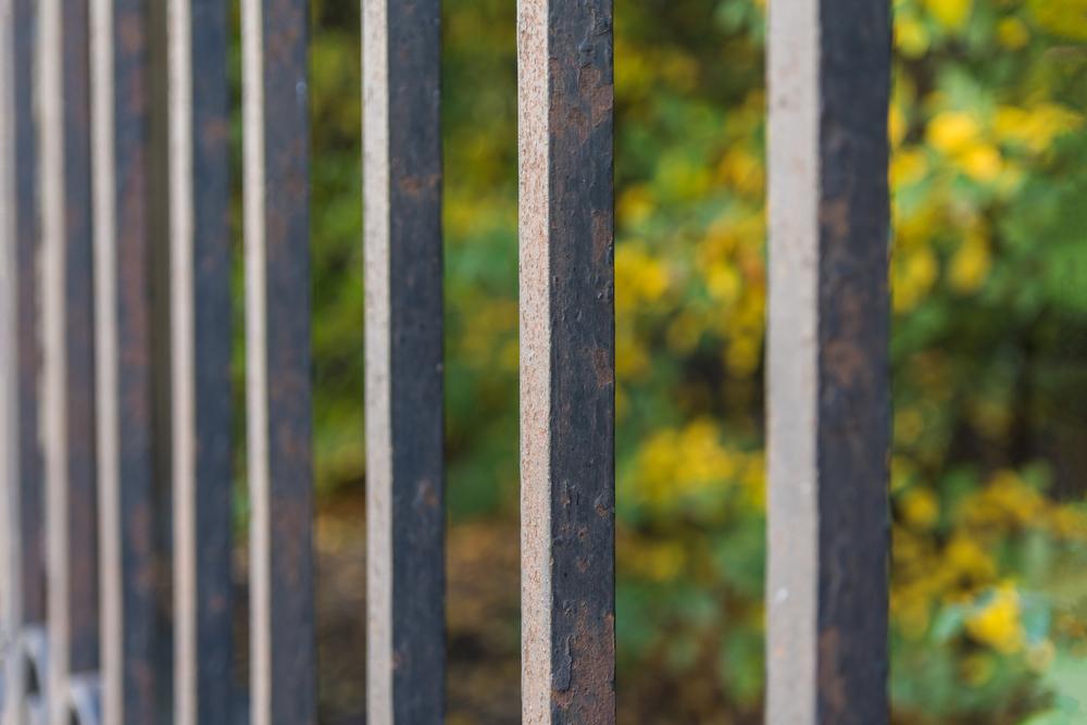 rouille portail acier